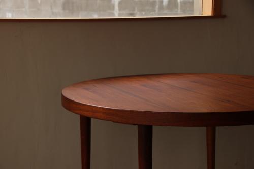 『新潟市Y様邸へ Kai Kristiansen Rosewood Round Table』_c0211307_10421519.jpg