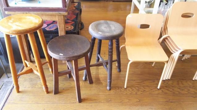 丸椅子と子供椅子☆_e0199317_13022182.jpg