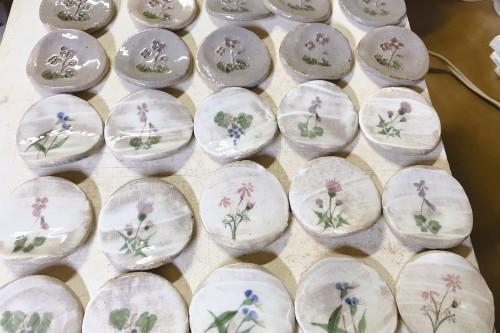 デイの皆さんが作られた花器!_f0139520_21543370.jpg