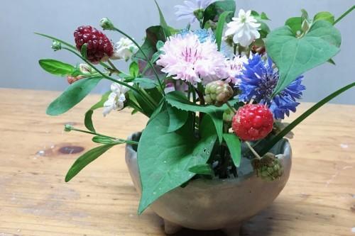 デイの皆さんが作られた花器!_f0139520_21555686.jpg