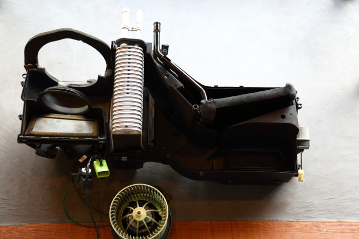 ご納車のブラックTJ仕上げ作業進行中です_f0105425_19094974.jpg