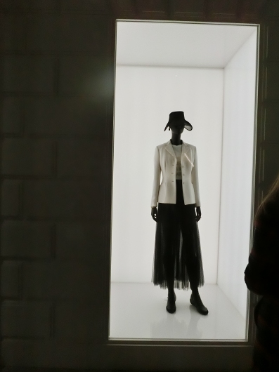 ディオールの回顧展【Christian Dior: Designer of Dreams】_e0303431_18455704.jpg