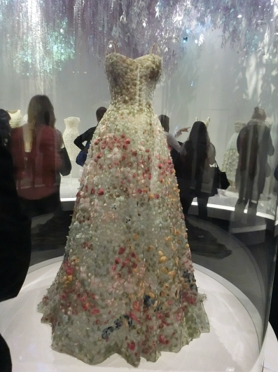 ディオールの回顧展【Christian Dior: Designer of Dreams】_e0303431_18505308.jpg