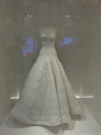 ディオールの回顧展【Christian Dior: Designer of Dreams】_e0303431_18561241.jpg