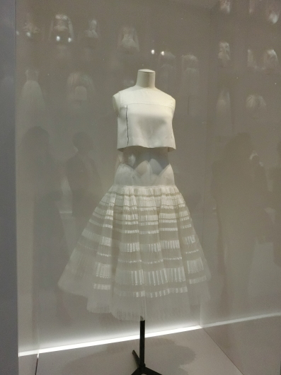 ディオールの回顧展【Christian Dior: Designer of Dreams】_e0303431_18571392.jpg
