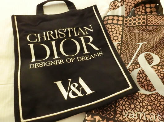 ディオールの回顧展【Christian Dior: Designer of Dreams】_e0303431_18593956.jpg