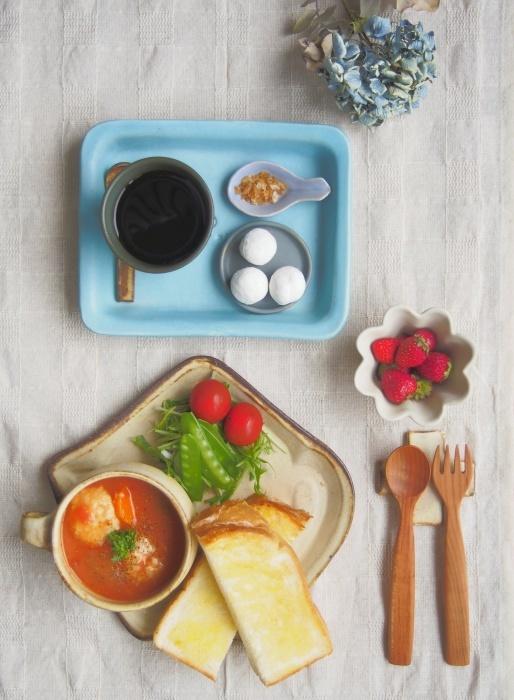 トマトクリームシチューの朝ごはん_b0277136_11345376.jpeg