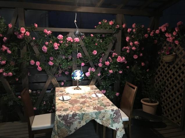 令和初の薔薇 たくさん咲いてくれました。_e0184559_15481165.jpeg