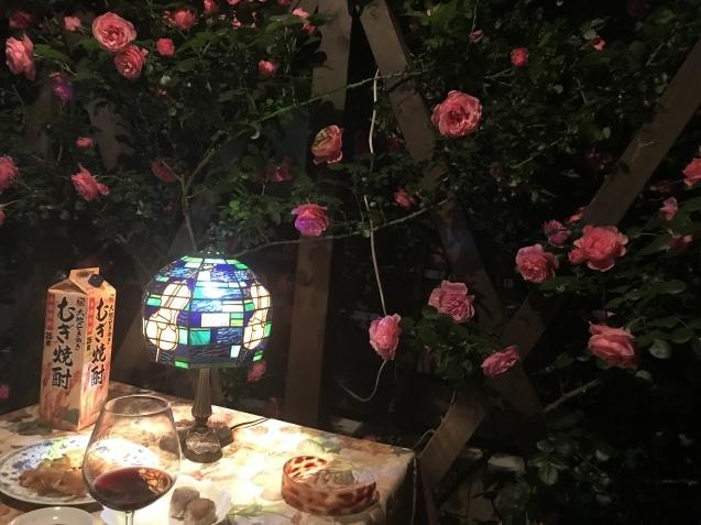 令和初の薔薇 たくさん咲いてくれました。_e0184559_15540137.jpeg