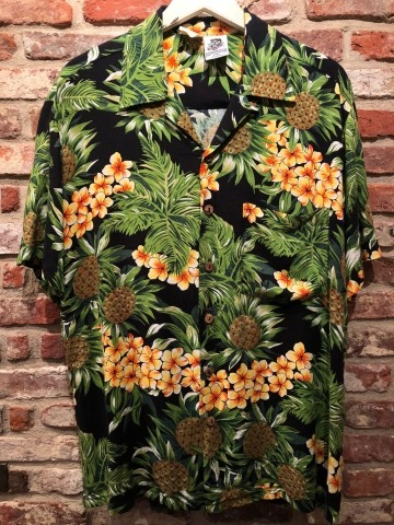 "1980s "" KENNINGTON - California - \"" 100% RAYON vintage - BLACK - HAWAIIAN SHIRTS ._d0172088_20433996.jpg"