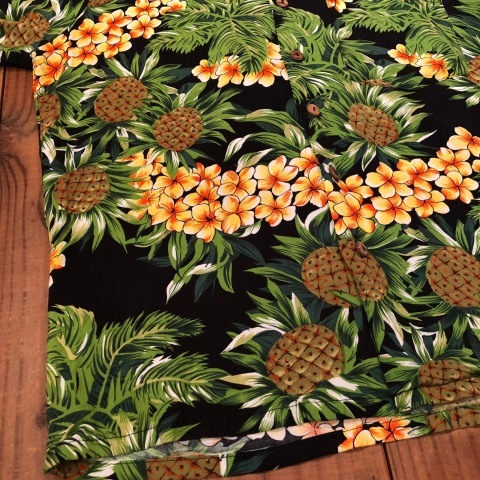"1980s "" KENNINGTON - California - \"" 100% RAYON vintage - BLACK - HAWAIIAN SHIRTS ._d0172088_22042288.jpg"
