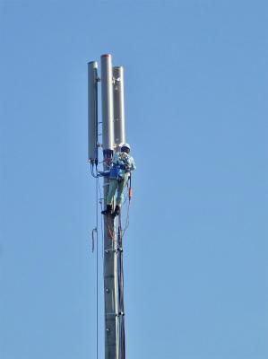 中継アンテナ工事が進んでいます_c0336902_21505986.jpg
