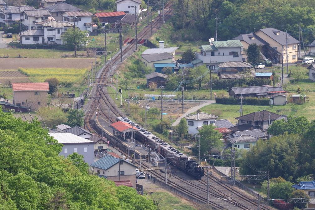 新緑の頃、汽車が小さな駅を通過する - 2019年新緑・秩父鉄道 -_b0190710_20504101.jpg
