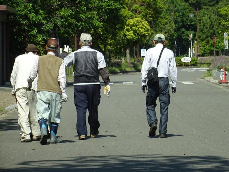和歌山市立楠見西小学校:3・4年生遠足「うみべの森探検」_c0108460_16201585.jpg