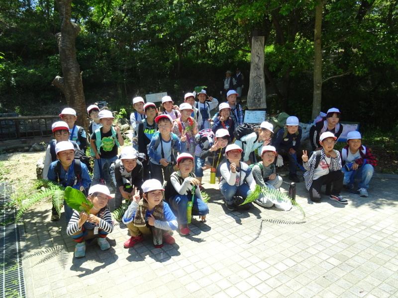 和歌山市立楠見西小学校:3・4年生遠足「うみべの森探検」_c0108460_16491217.jpg