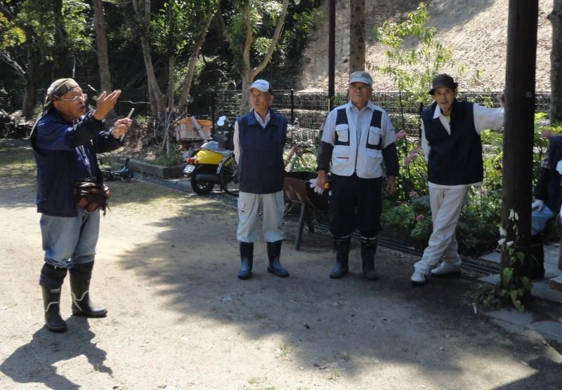 和歌山市立楠見西小学校:3・4年生遠足「うみべの森探検」_c0108460_20021479.jpg