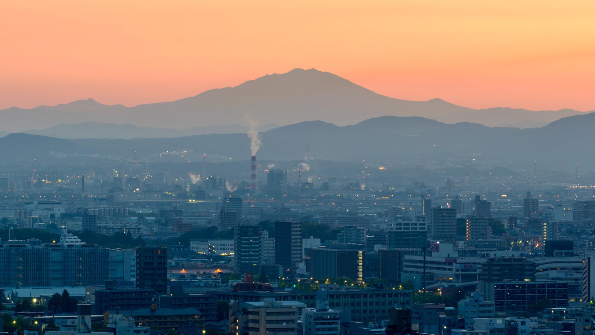 夜明けの山_a0177616_04575149.jpg