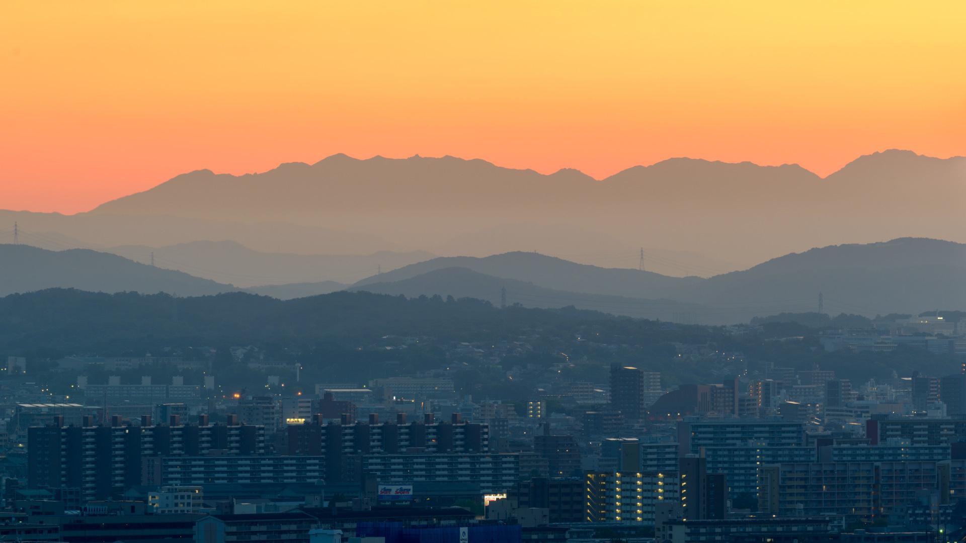 夜明けの山_a0177616_04575183.jpg