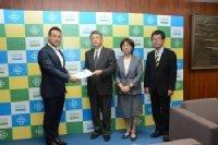 冨田新市長に予算要望書を提出し懇談しました。_c0133422_22524573.jpg