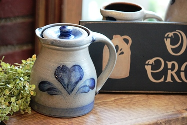 ポタリーのウッドボードと Rowe Pottery_f0161543_13113896.jpg