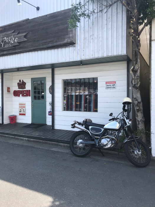 本日のバイク!_f0194657_19002043.jpg