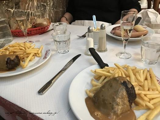 フランスパリ『クリニャンクール蚤の市』でハンドメイド資材探し♪_f0023333_22433029.jpg