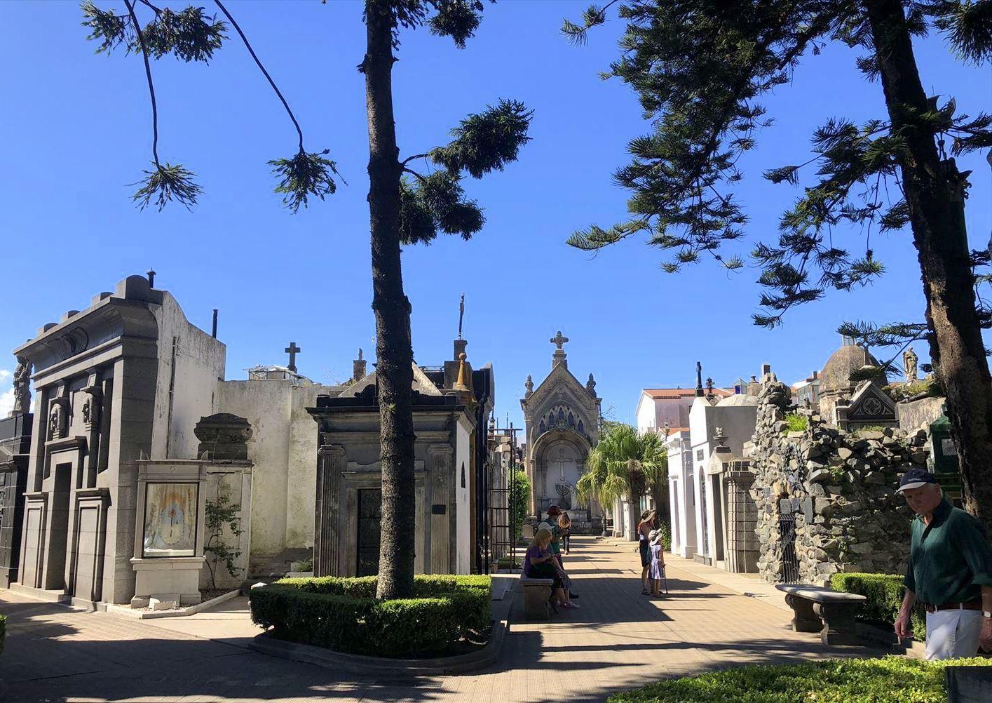 """中南米の旅/45 美しすぎるお墓""""レコレータ墓地""""@ブエノスアイレス_a0092659_22351380.jpg"""