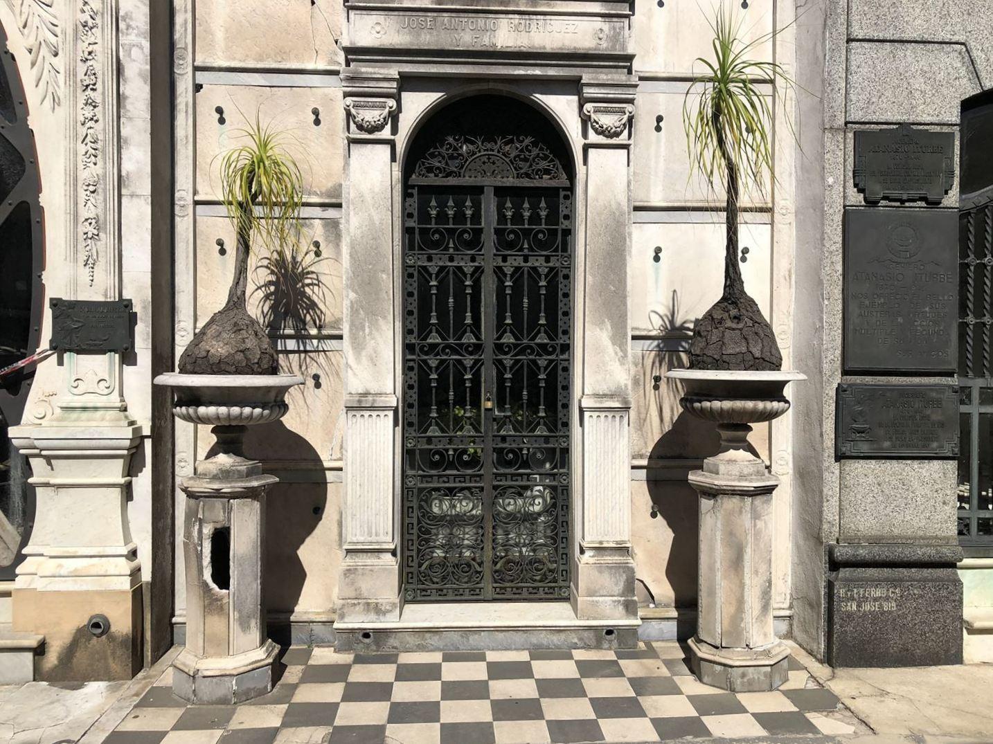 """中南米の旅/45 美しすぎるお墓""""レコレータ墓地""""@ブエノスアイレス_a0092659_22570616.jpg"""