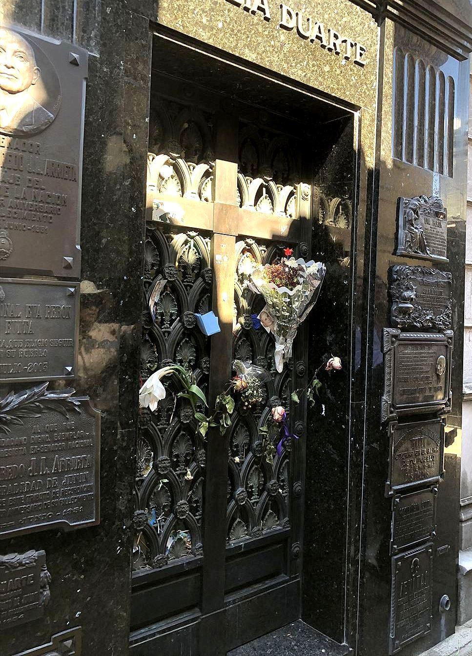 """中南米の旅/45 美しすぎるお墓""""レコレータ墓地""""@ブエノスアイレス_a0092659_23141315.jpg"""