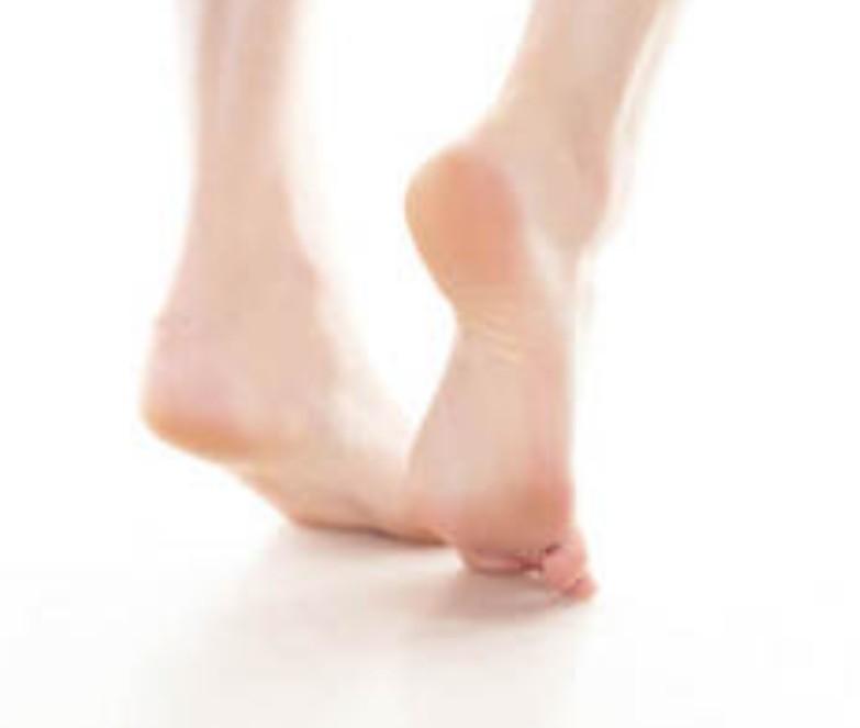 足のかかとがツルツルになる自力整体_c0366378_04052539.jpg