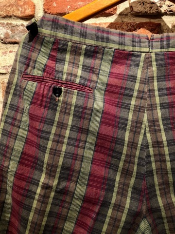 "1960s "" UNKNOWN \"" 100% cotton VINTAGE - MADRAS CHECK - Earth Color SHORTS ._d0172088_19082637.jpg"