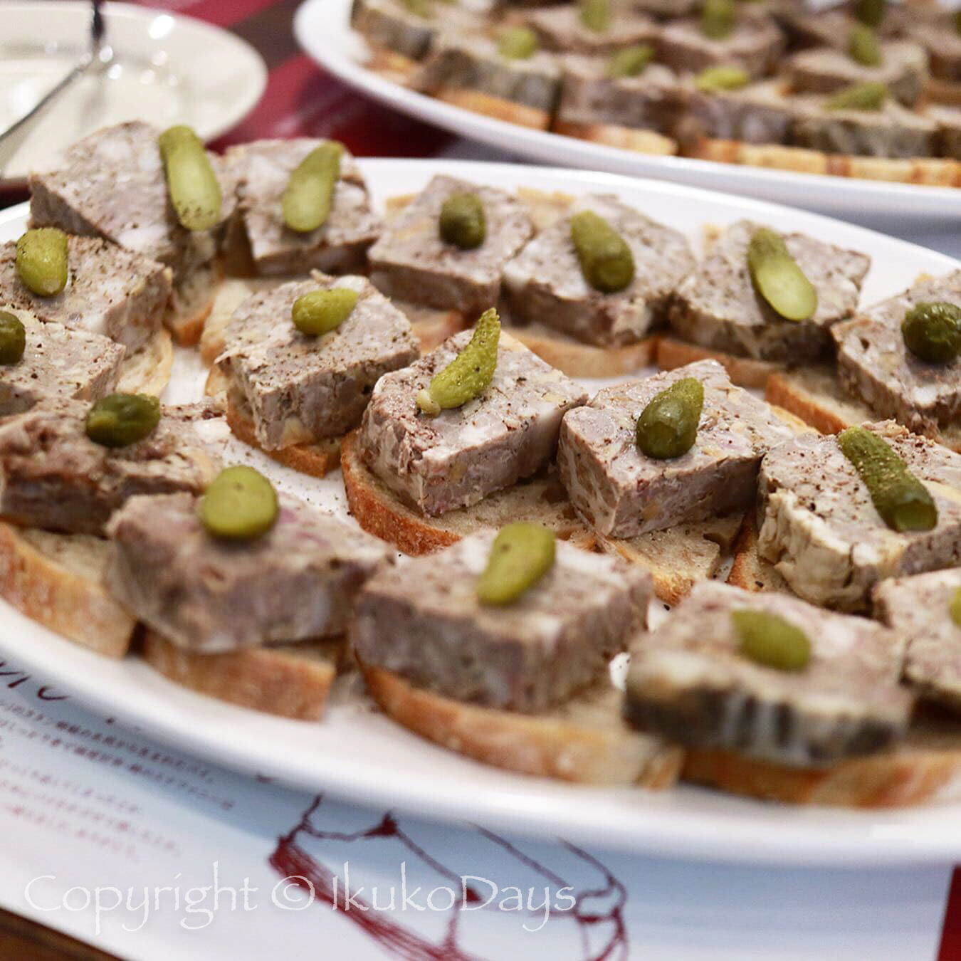 パリで連日行列必須の肉ビストロが 日本橋 にオープン:『サクレフルール 日本橋店』日本橋_d0114093_04465667.jpg