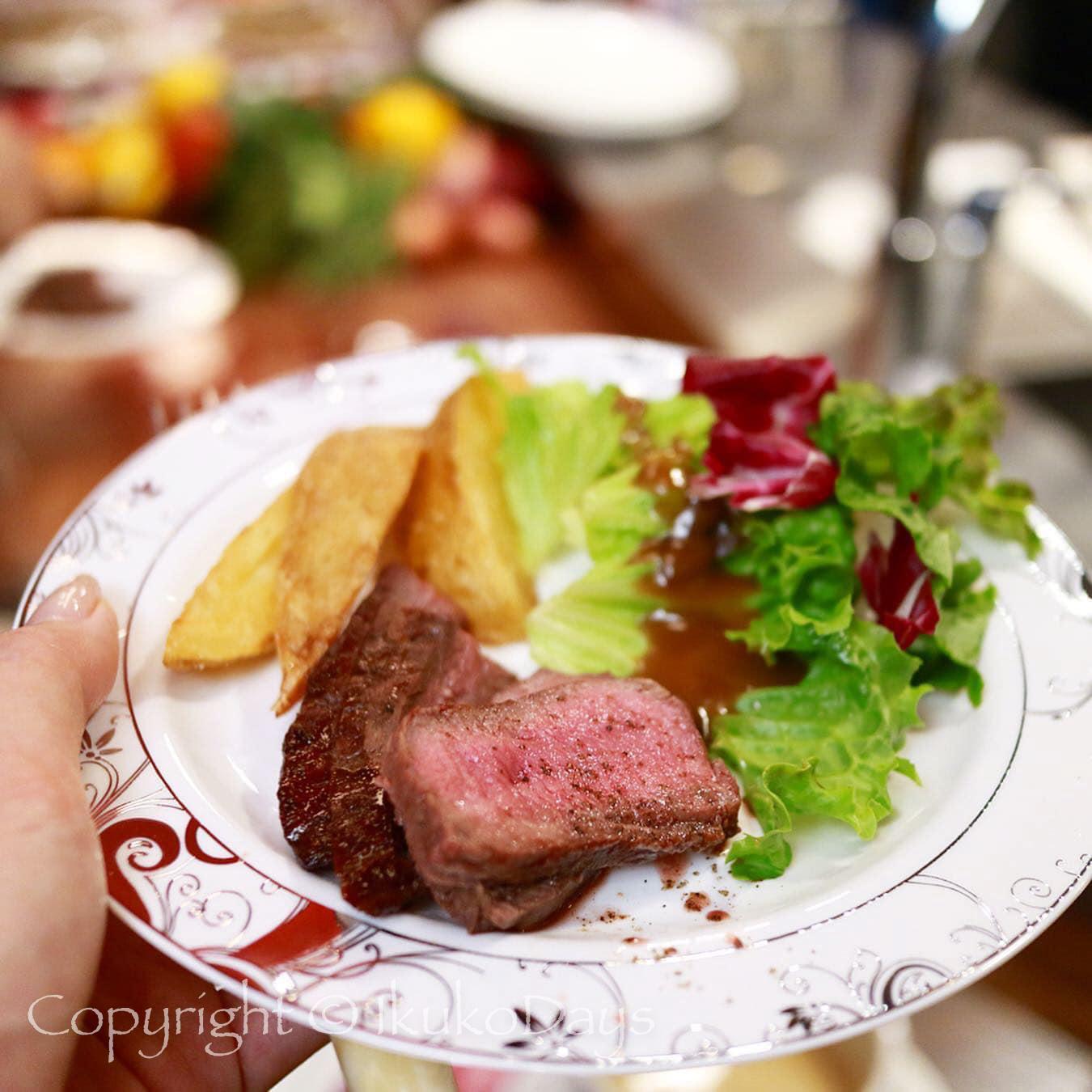 パリで連日行列必須の肉ビストロが 日本橋 にオープン:『サクレフルール 日本橋店』日本橋_d0114093_04470331.jpg