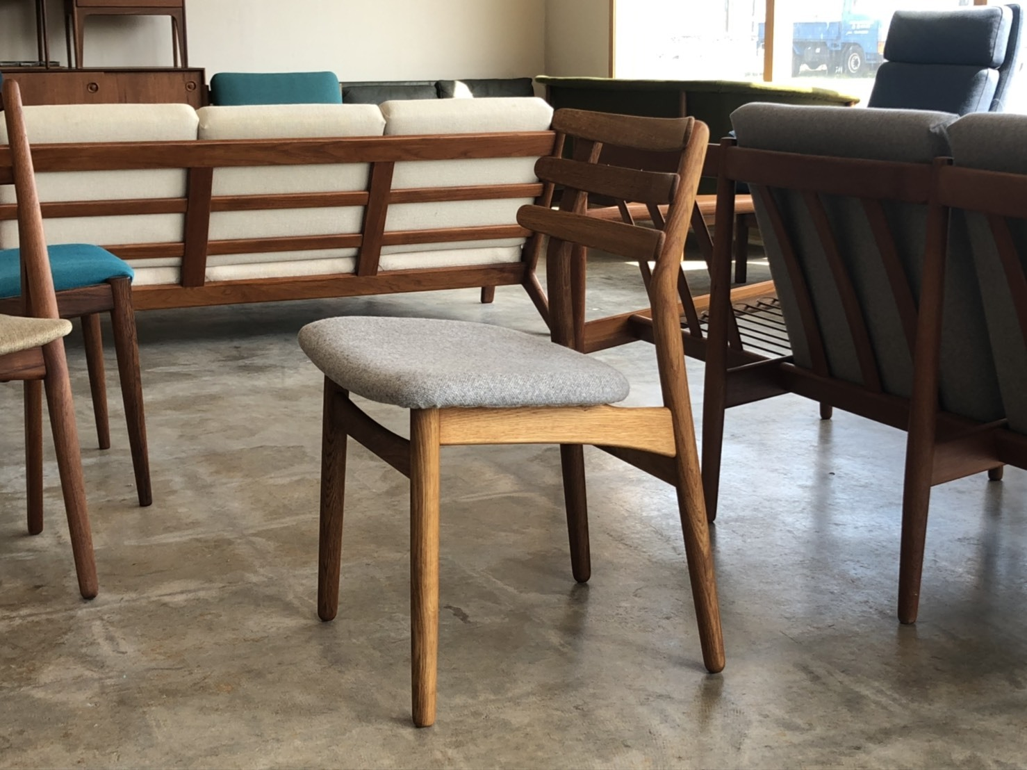 『K様邸へ Poul M.Volther Dining Chair』_c0211307_09141043.jpg