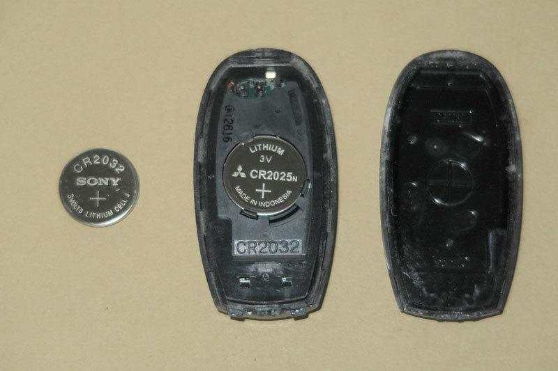 ZC32Sスイフトスポーツ生活(60) キーレスエントリーの反応が鈍い・・・電池交換_b0199522_17014275.jpg