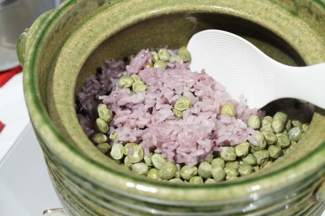 ツタンカーメンえんどうごはんを土鍋で炊く方法!_d0377645_23465668.jpg