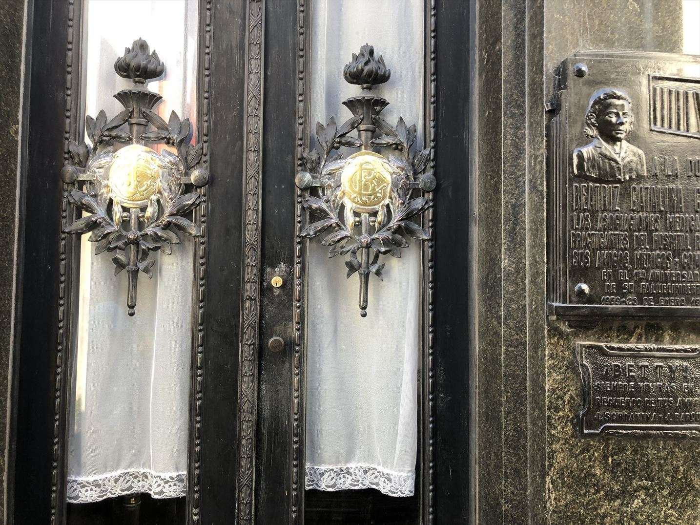 """中南米の旅/45 美しすぎるお墓""""レコレータ墓地""""@ブエノスアイレス_a0092659_15253387.jpg"""