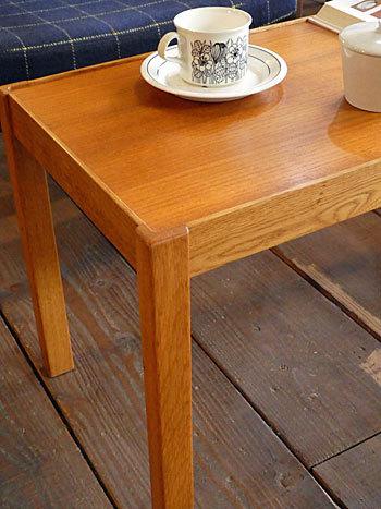 side table_c0139773_15330130.jpg