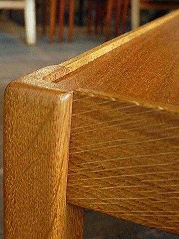 side table_c0139773_15353370.jpg