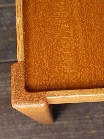 side table_c0139773_15354537.jpg