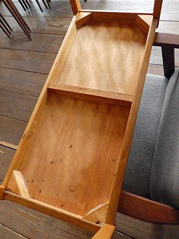side table_c0139773_15371575.jpg