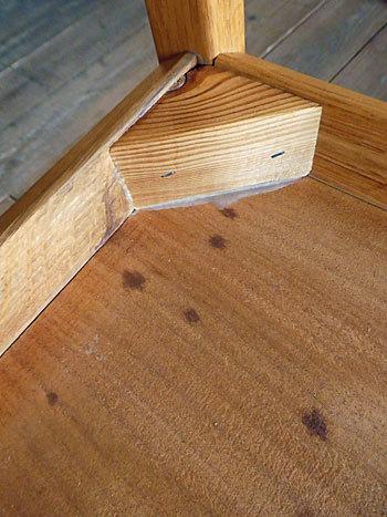 side table_c0139773_15373125.jpg