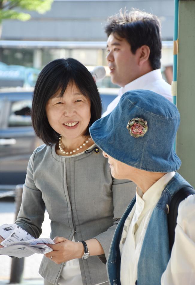 高齢者の難聴 補聴器に補助を_b0190576_01471159.jpg