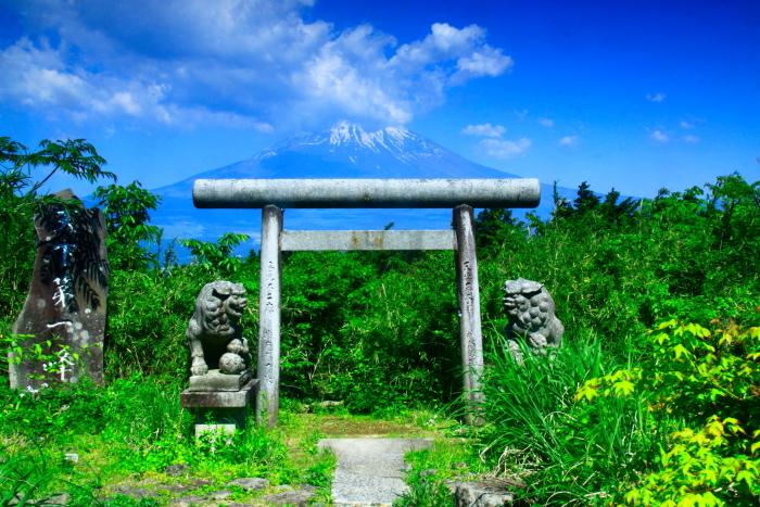 令和元年5月の富士(24)県道沿いの鳥居と富士_e0344396_16365644.jpg