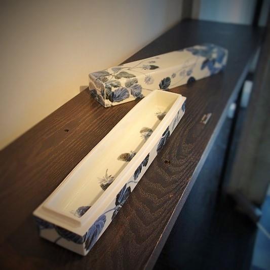 木村知子 作品展『器に咲く季節の花々…』開催中です_b0232919_19322347.jpg