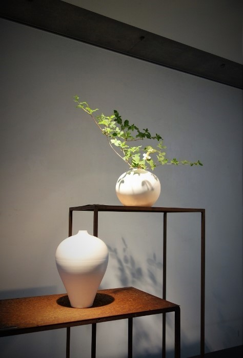 木村知子 作品展『器に咲く季節の花々…』開催中です_b0232919_19402452.jpg