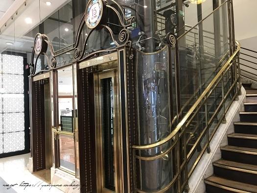 旅の予算と『ギャラリー・ラファイエット・パリ』天井の素敵なステンドグラス♪_f0023333_19522910.jpg