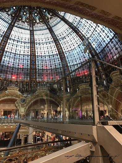 旅の予算と『ギャラリー・ラファイエット・パリ』天井の素敵なステンドグラス♪_f0023333_19523822.jpg