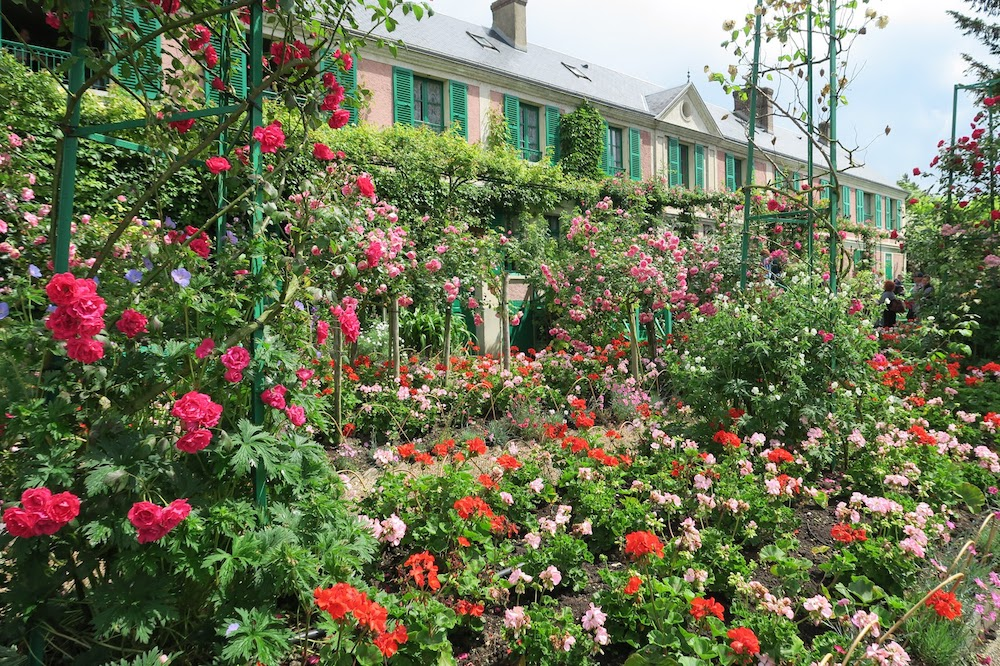 『ジヴェルニーの食卓』にモネの家と庭を思う_f0234936_5224730.jpg
