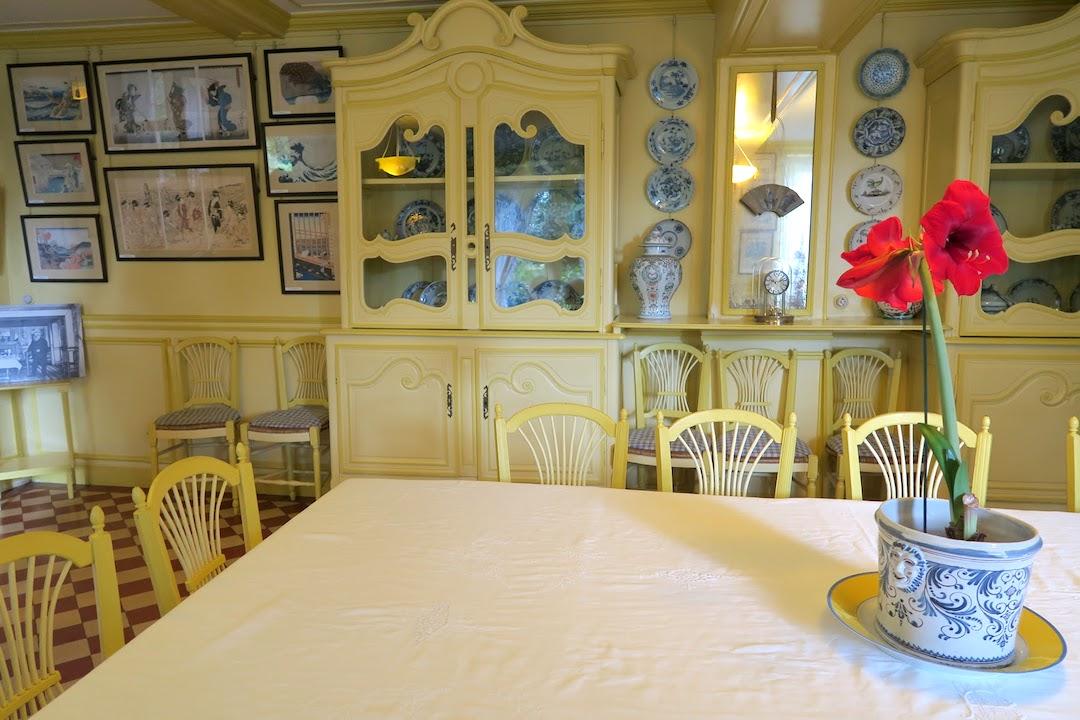 『ジヴェルニーの食卓』にモネの家と庭を思う_f0234936_655288.jpg